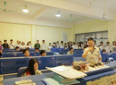 Lợi ích của vừa học nghề vừa học văn hóa tại trường quân đội